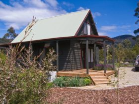 Parnella Adventure Bay - country cottage on Bruny Island