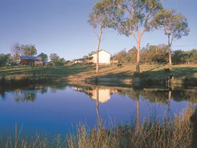 Rural setting Platypus Park Country Retreat
