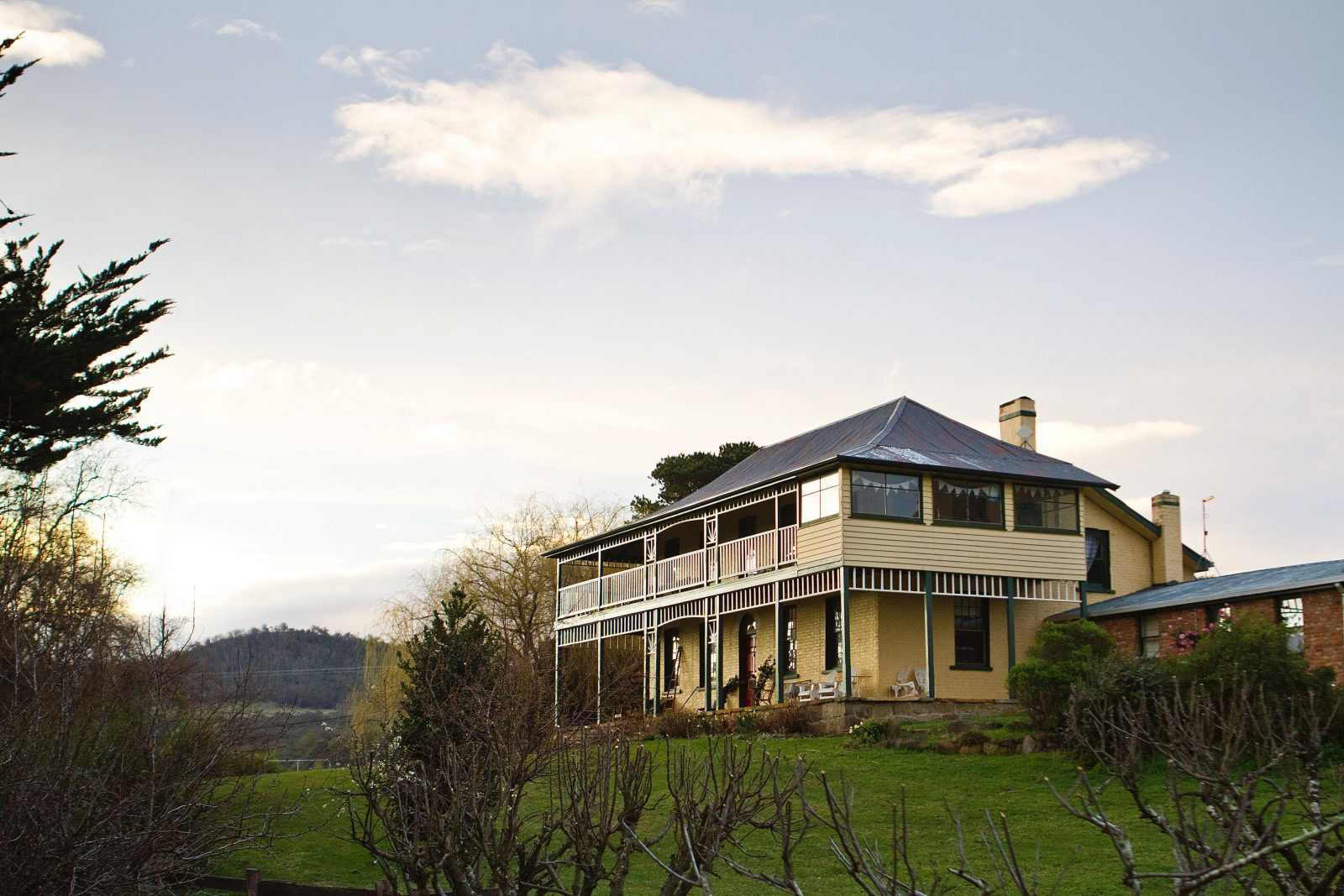 Stanton Farmhouse Luxe Accommodation Boutique Bed and Breakfast New Norfolk Derwent Valley