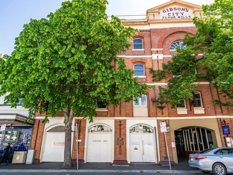 Beautiful Modern self-contained apartments in a historic building on Hobart waterfront.