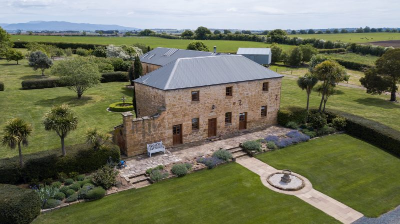 Located in the picturesque rural setting of Northern Tasmania the Granary is an ideal place to relax