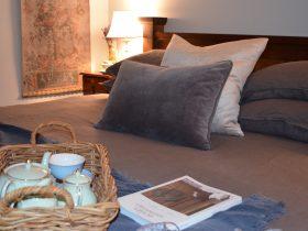 Lodge Deluxe King bedroom
