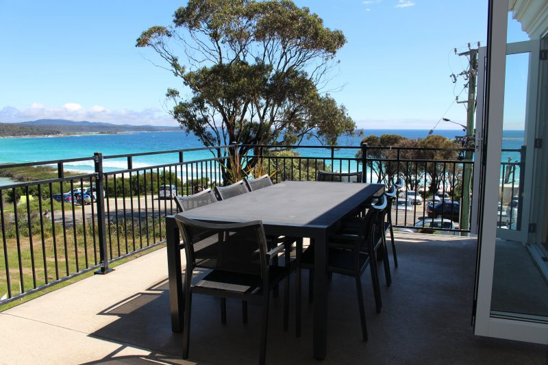 Villa 2 Bay of Fires - Outside dining