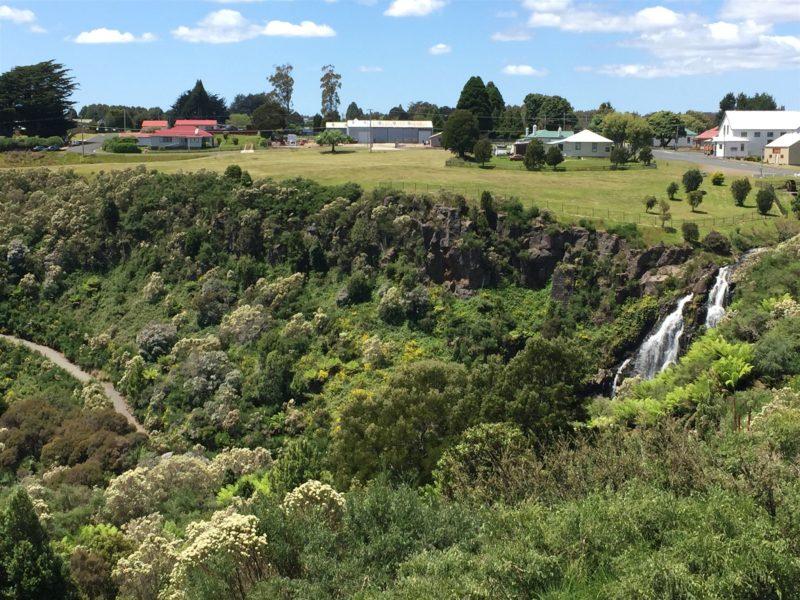 Walking Track to the base of Waratah Falls