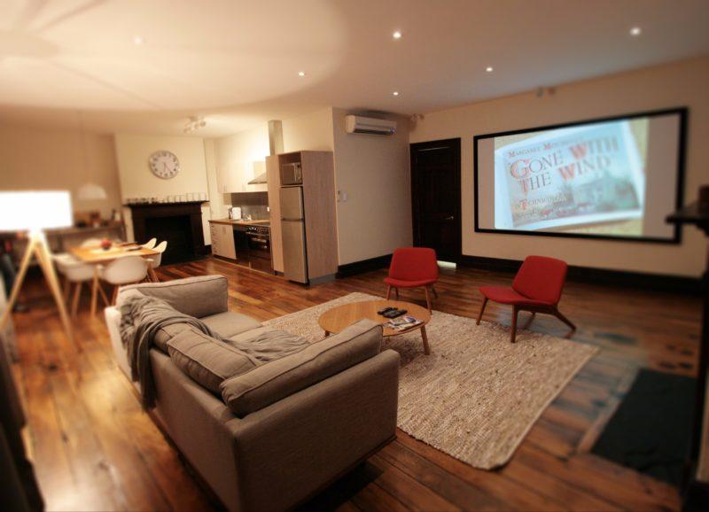 Westside Apartment- Essentially Tas