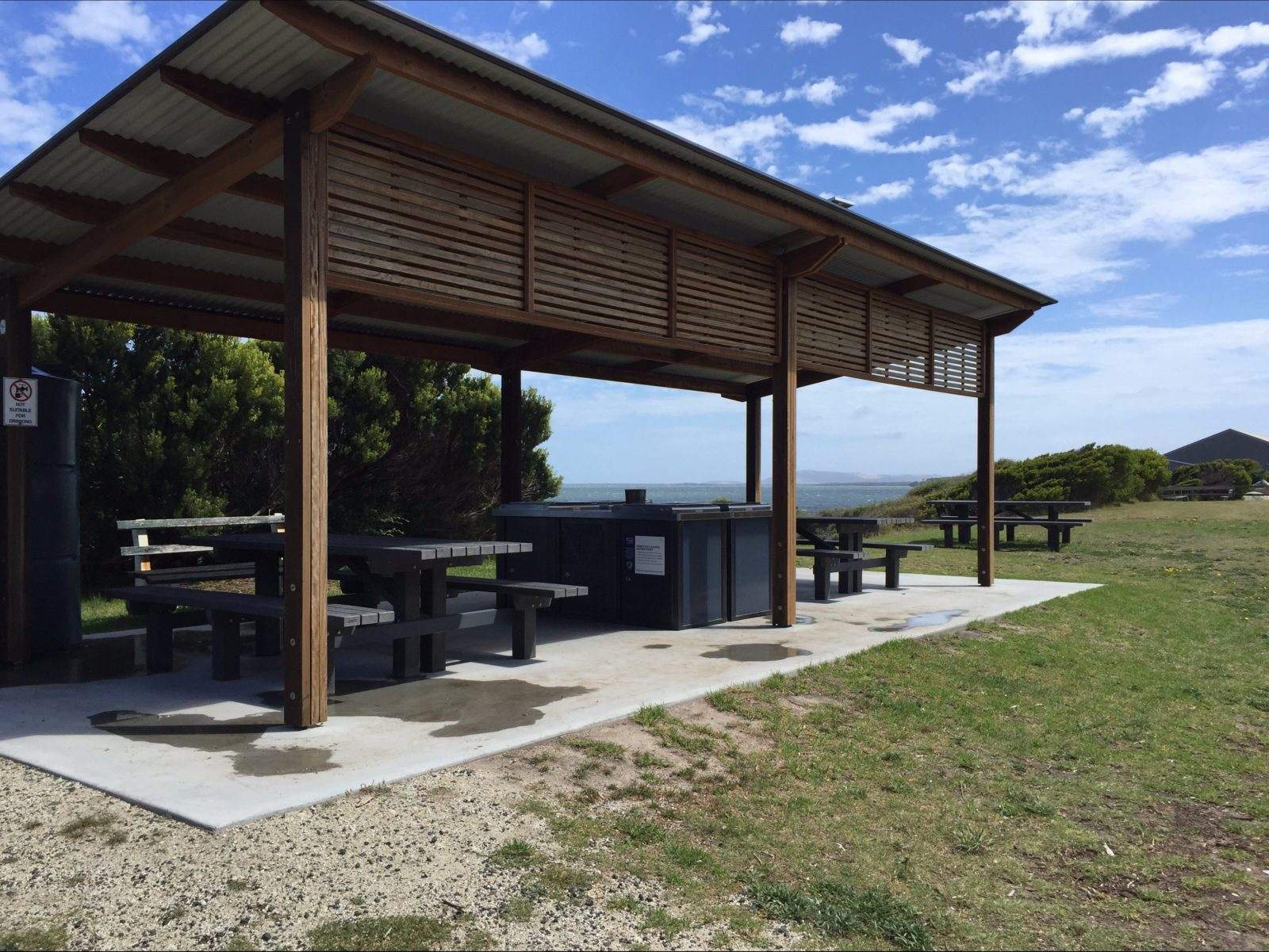 Whitemark Foreshore free gas barbecue picnic area Flinders Island Tasmania