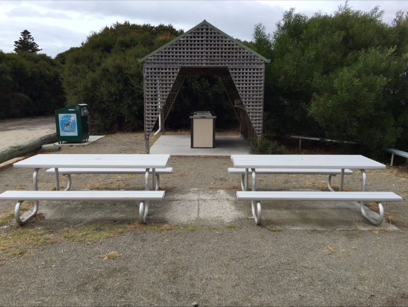 ample seating at Yellow Beach picnic area