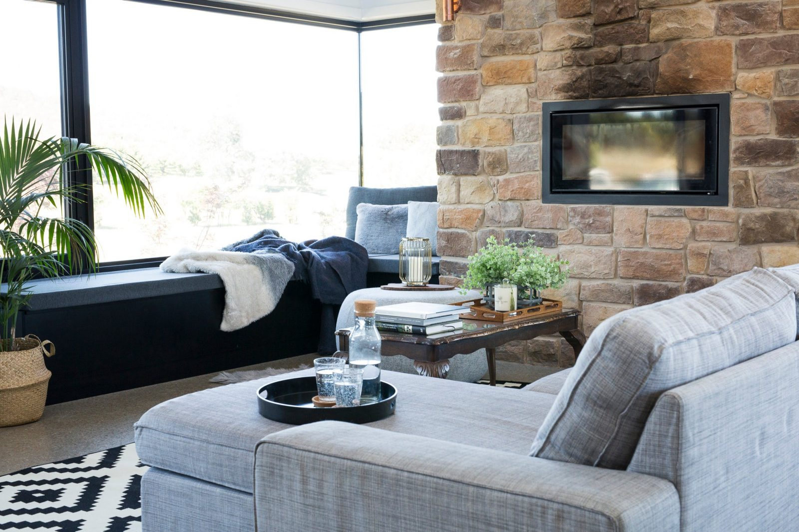 13 Acres - Beechworth living room and fire place
