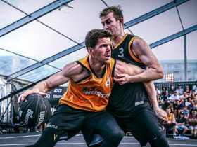 Lucas Walker battles down low with Andrew Steel