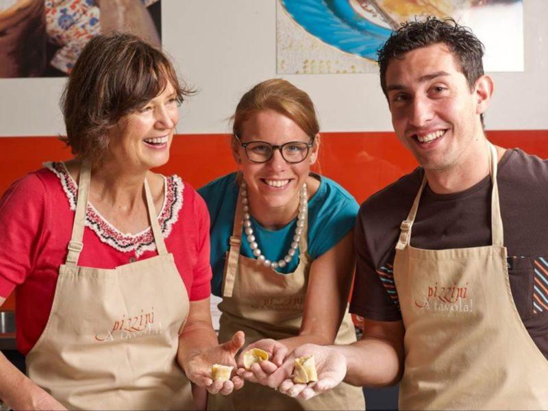 A tavola! cooking school, Katrina with class participants