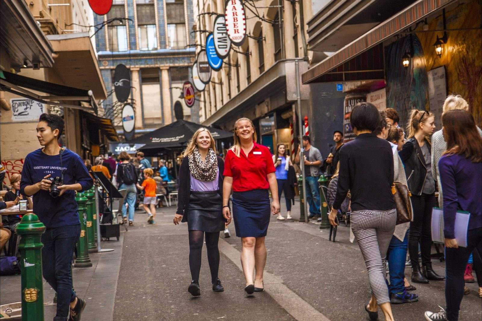 AAT Kings guide and guest in Melbourne Laneways