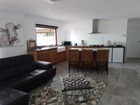 Signature room Kitchen lounge