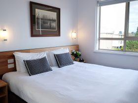Bedroom - King Or Singles