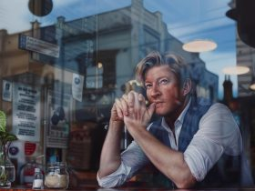 Tessa Mackay, Through the looking glass