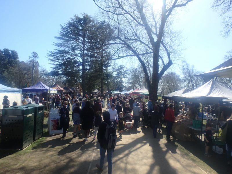 Ballarat Farmers Market crowd scene