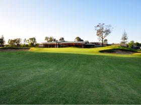 Ballarat Golf Club, Club House, 18th Green