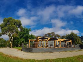 Barmah Park Restaurant & Cellar Door deck on a vineyard.