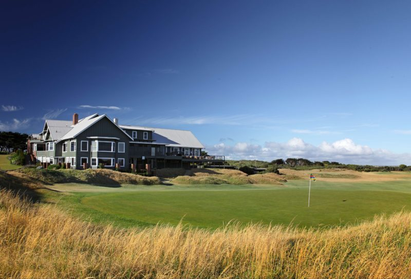 The Clubhouse and 18th green
