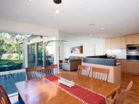 Beach Road, Torquay - Dining/kitchen