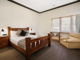 Benson House - clean, crispy fresh linen