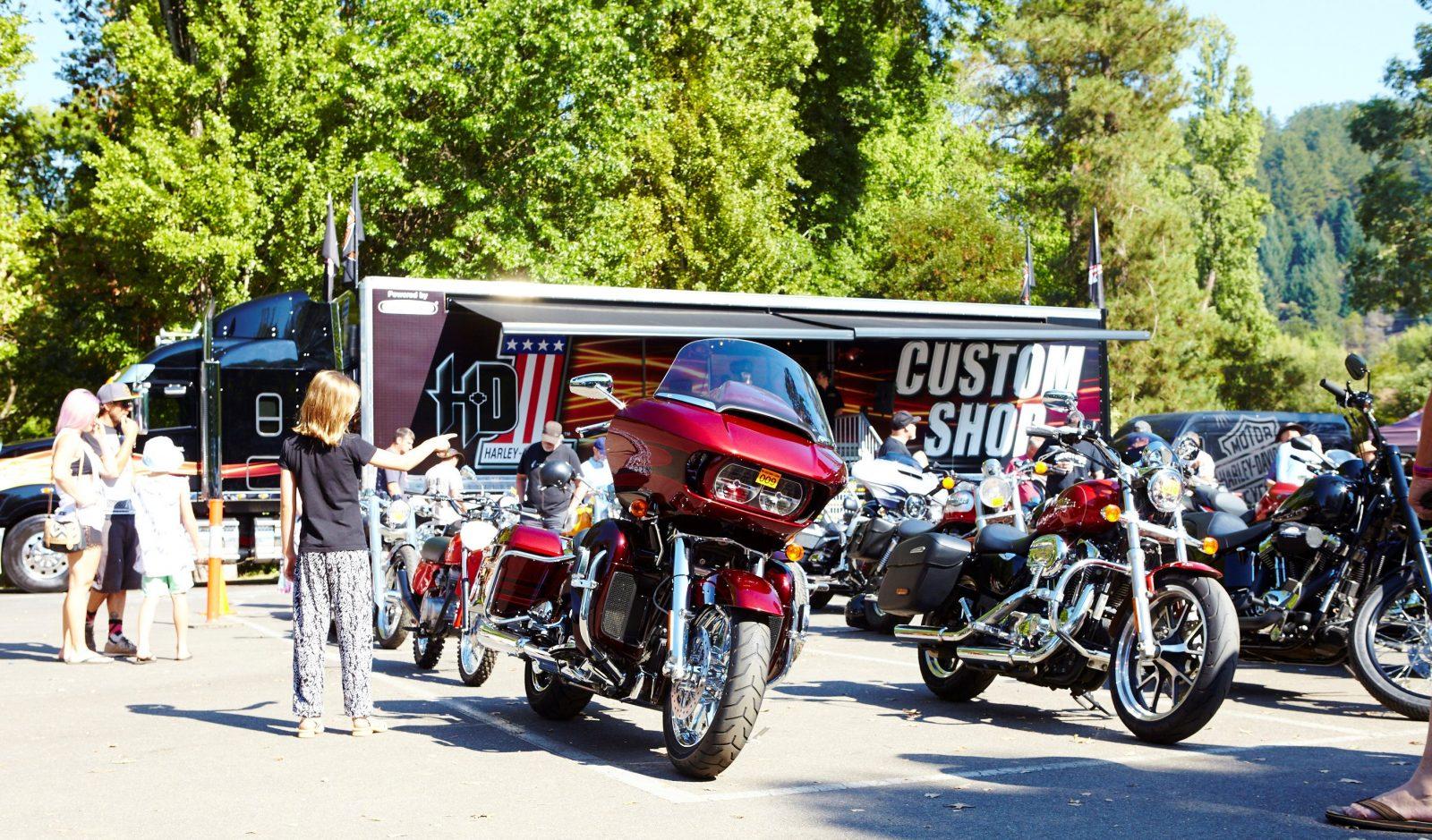 Brighter Days Festival - Cars, bikes, music
