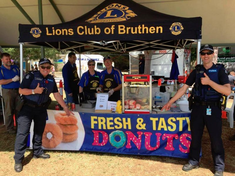 Bruthen Lions provide Hot Cinnamon Donuts, Popcorn and Cold drinks