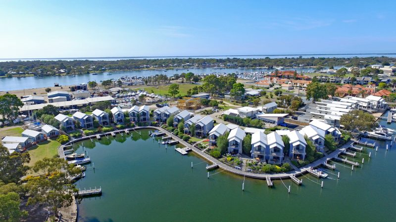 Captains Cove waterfront apartments Gippsland Lakes Lakes Entrance