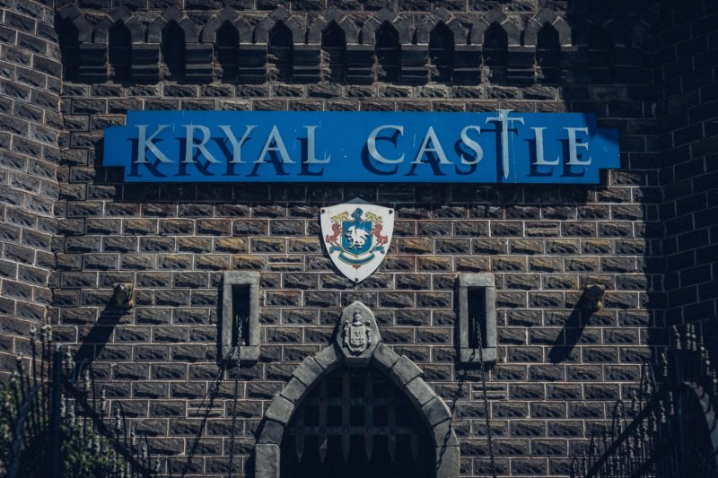 Kryal Castle entrance and sign