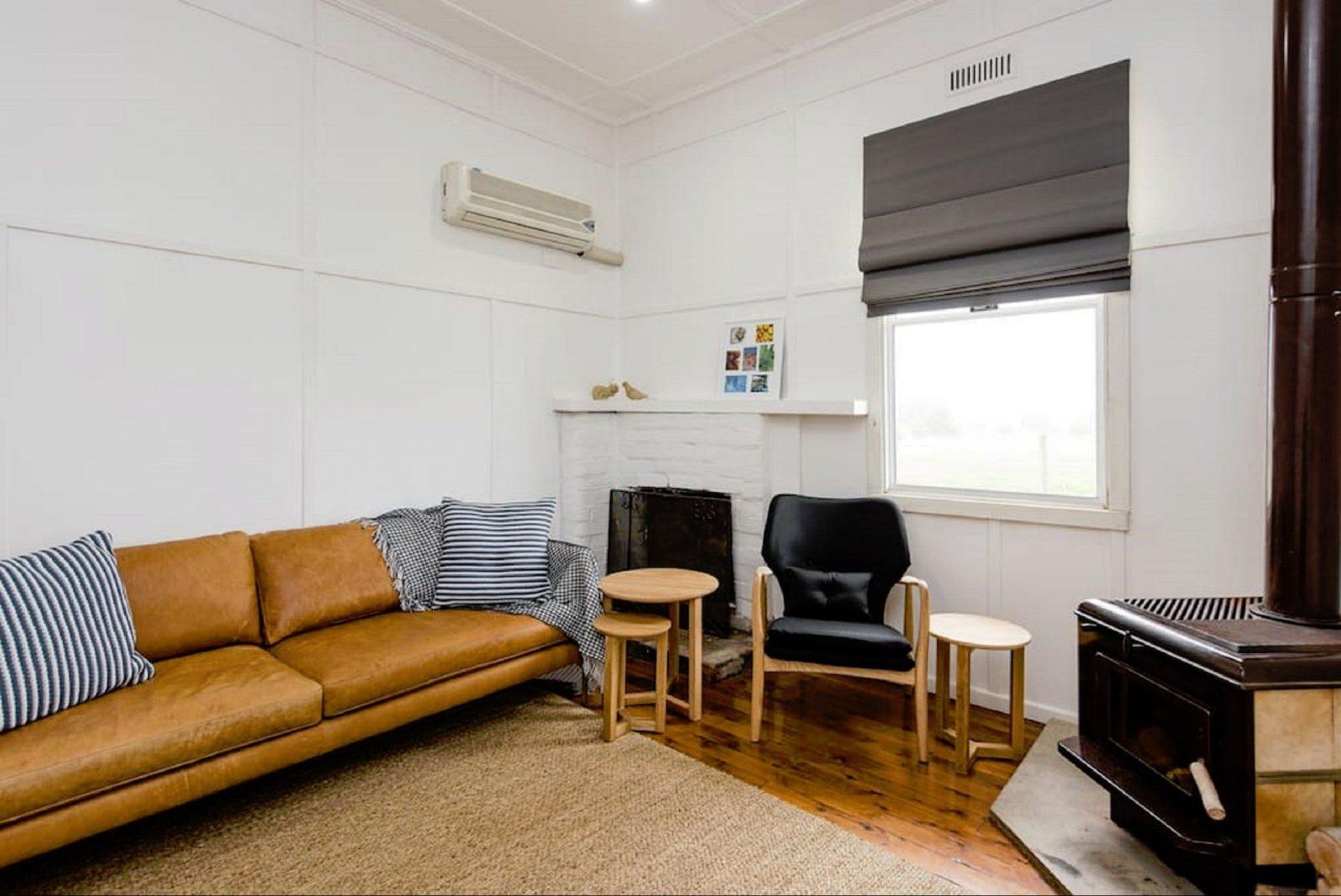 Living Room - Castleview Cottage