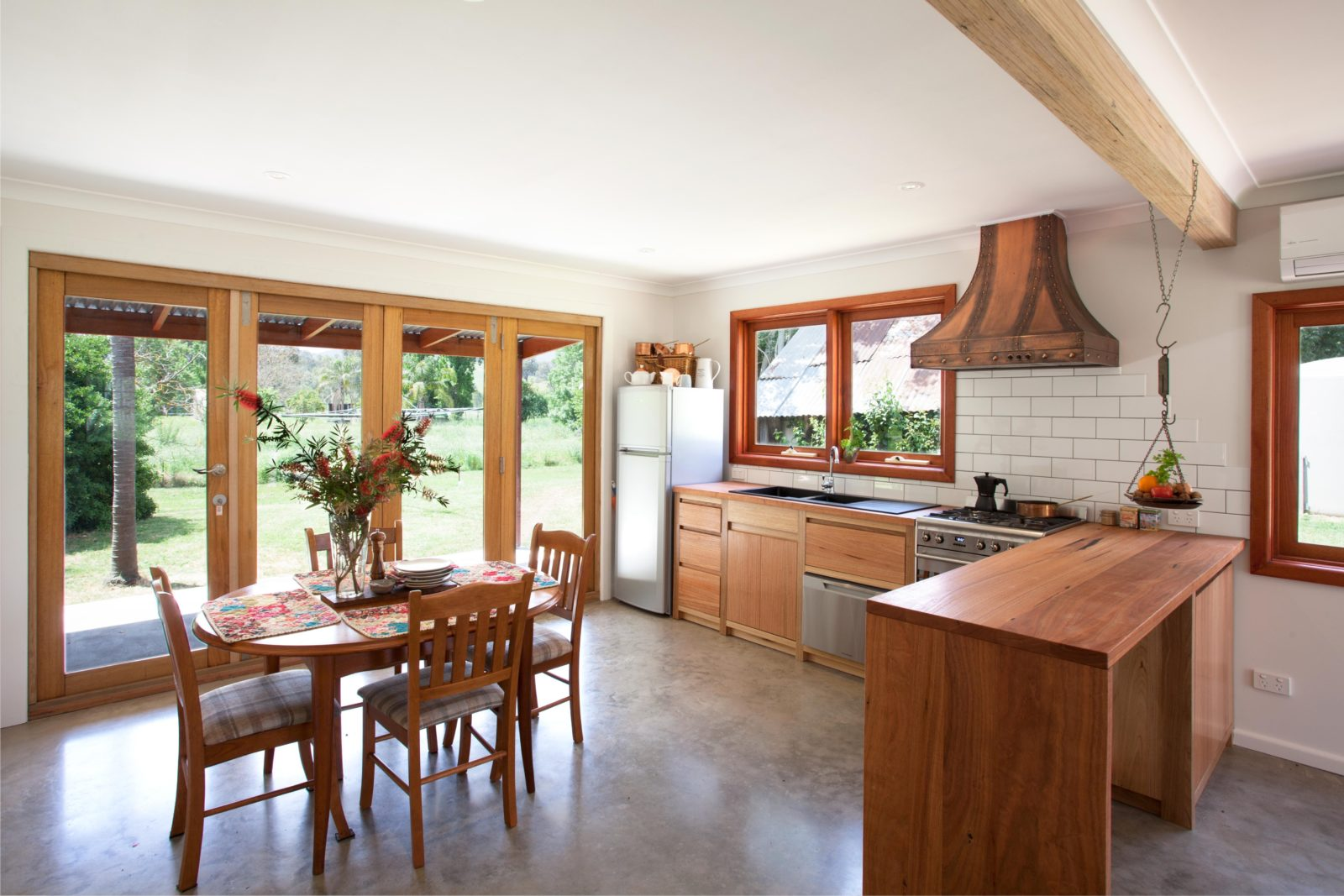 Cortes Cottage - Fully Equipped Kitchen