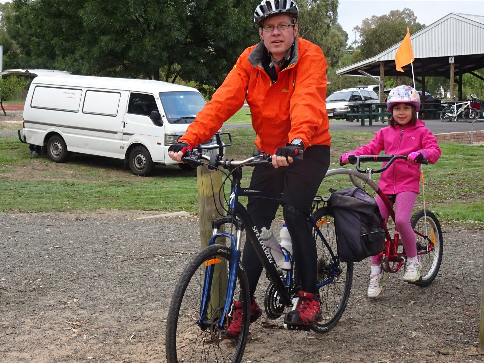 Dad and daughter starting Cycle Dindi at Yea