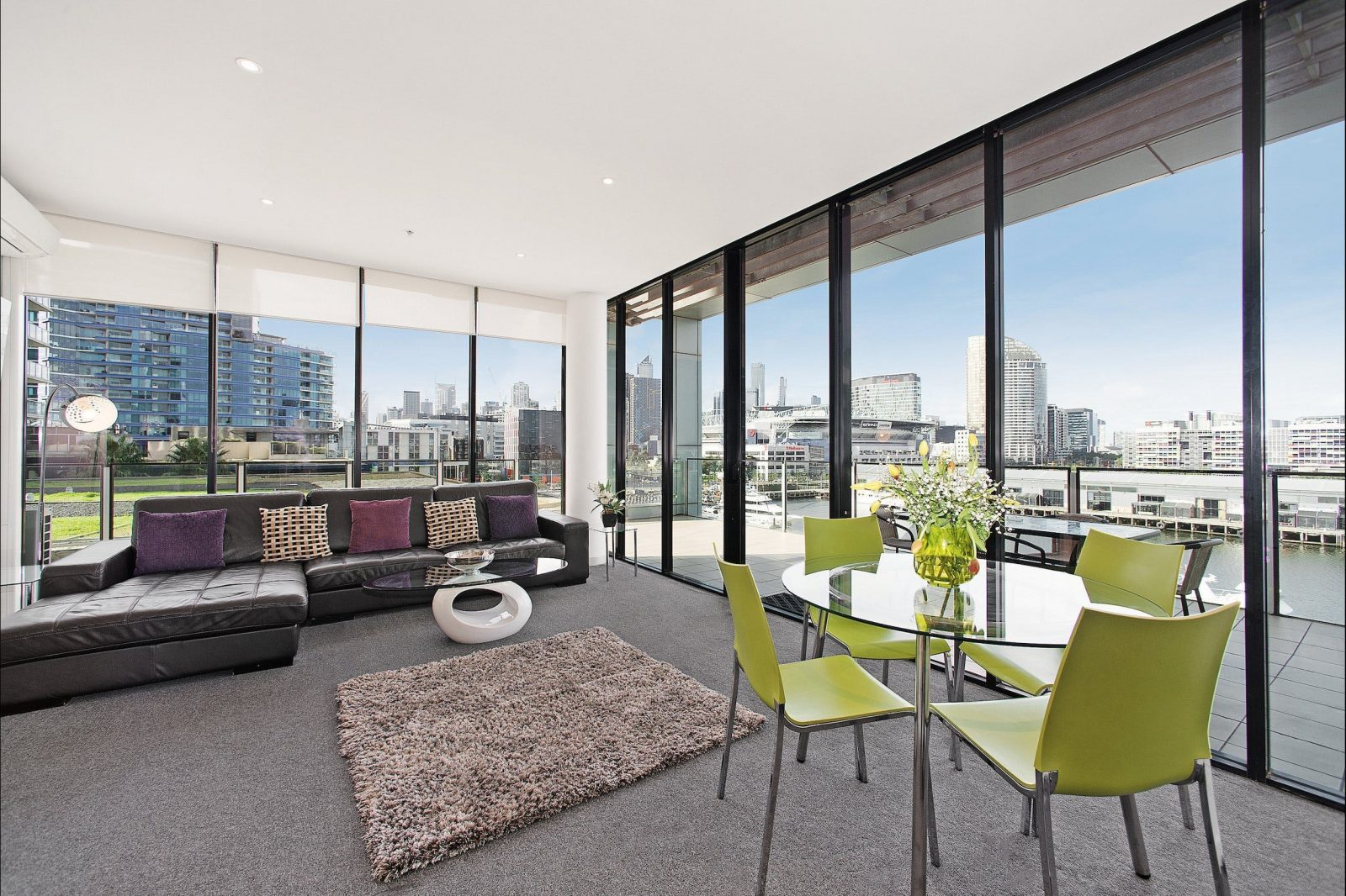One bedroom deluxe serviced apartment in Melbourne