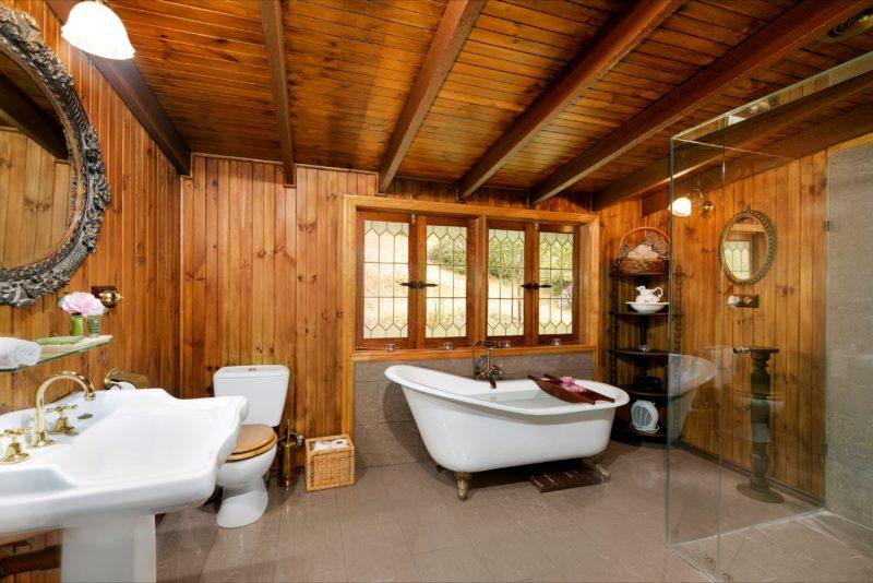 Claw foor bath