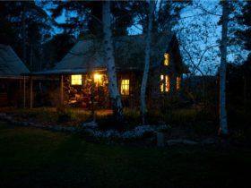 Garden Cottage Stanley - twilight