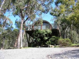 Stay at Halls Gap Hideaway and enjoy the Grampians National Park