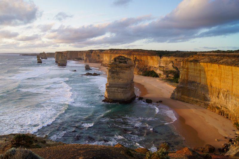 Hop To It Tours - 12 Apostles, Great Ocean Road