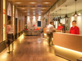 Ibis Melbourne Hotel & Apartments Reception
