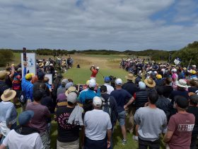 Crowd on the 1st Tee