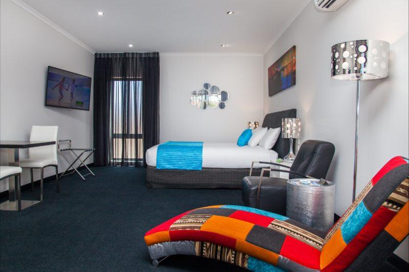 Room 18 Premier King Room - Junction Motel, Maryborough