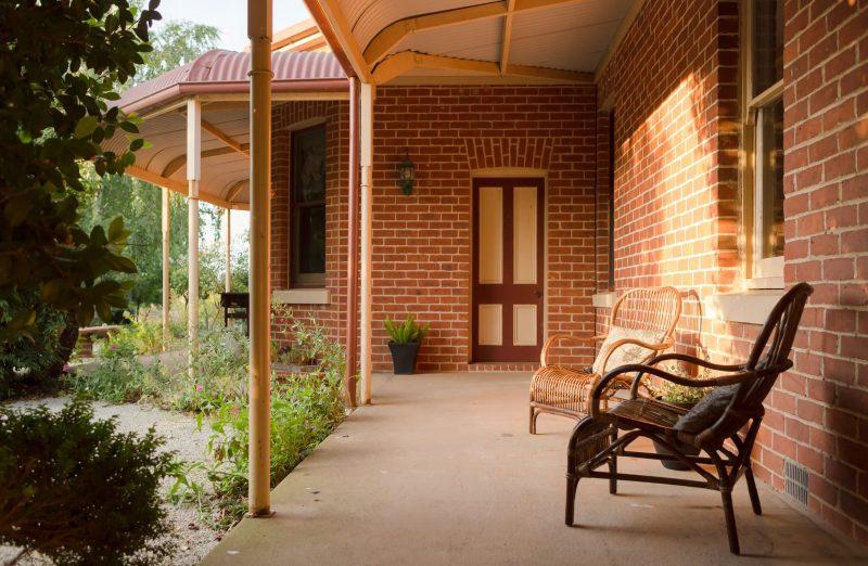 Karalilla side verandah