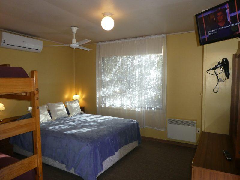 Family Bedroom, pocket spring Queen, adult size bunks, 2*cots, split system & TV