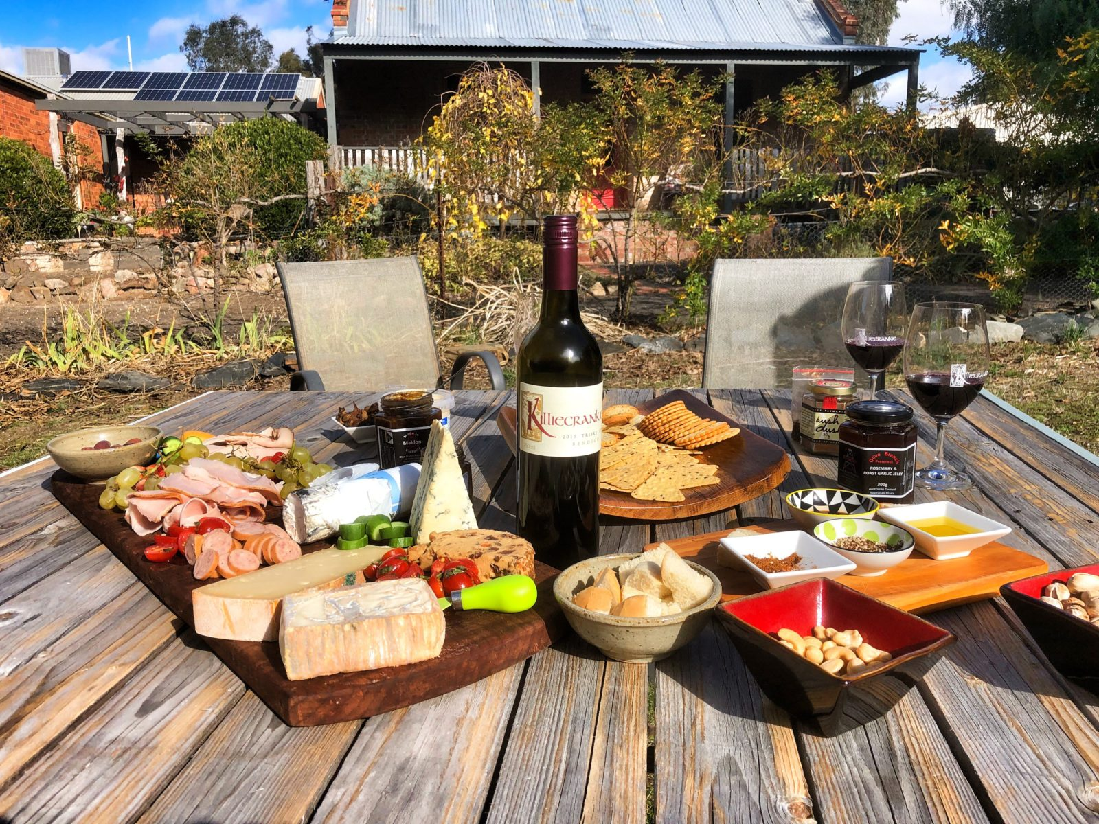 Killiecrankie Wines - picnic lunch and cellar door