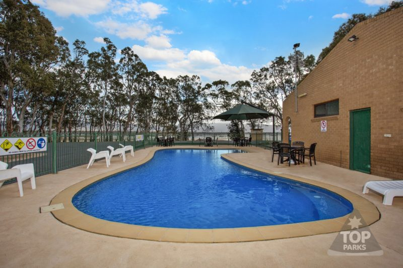 Lake Fyans Holiday Park - Pool with a View