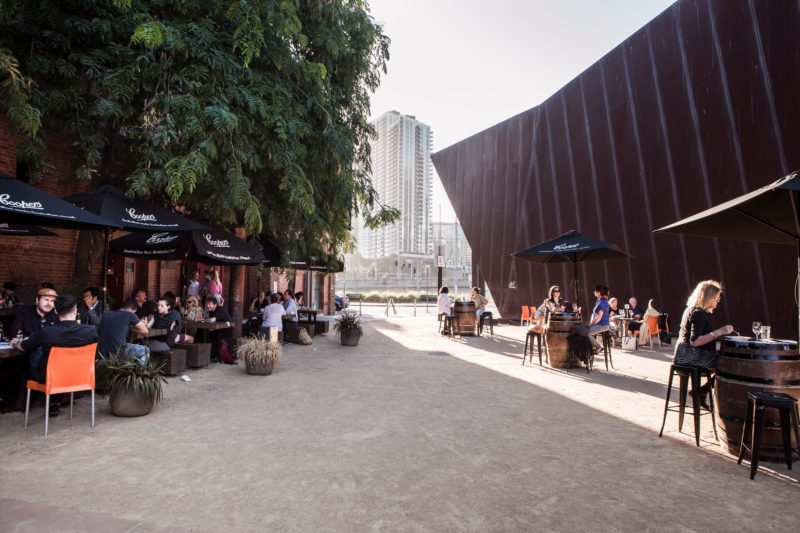 The outdoor courtyard of the Coopers Malthouse