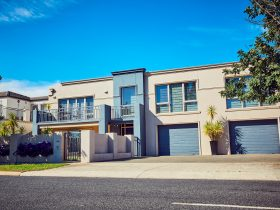 Maryborough Lakeview Villa Front