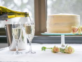 A simple wedding cake