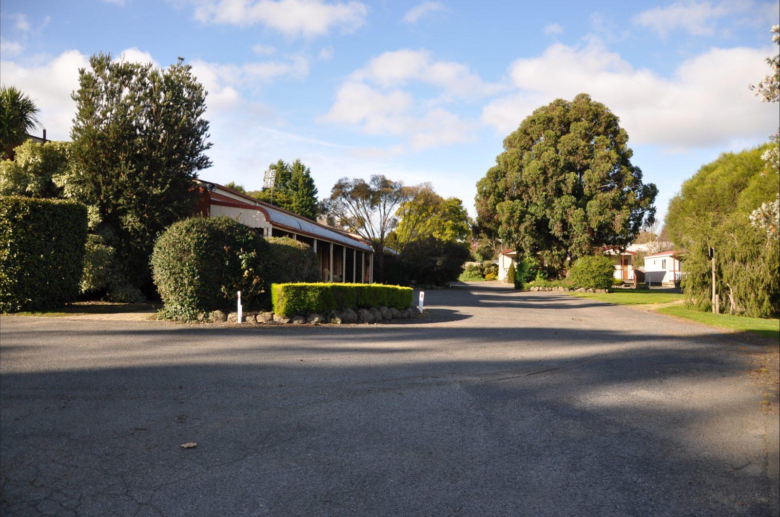 Miner's Retreat Motel Motel Room and Garden