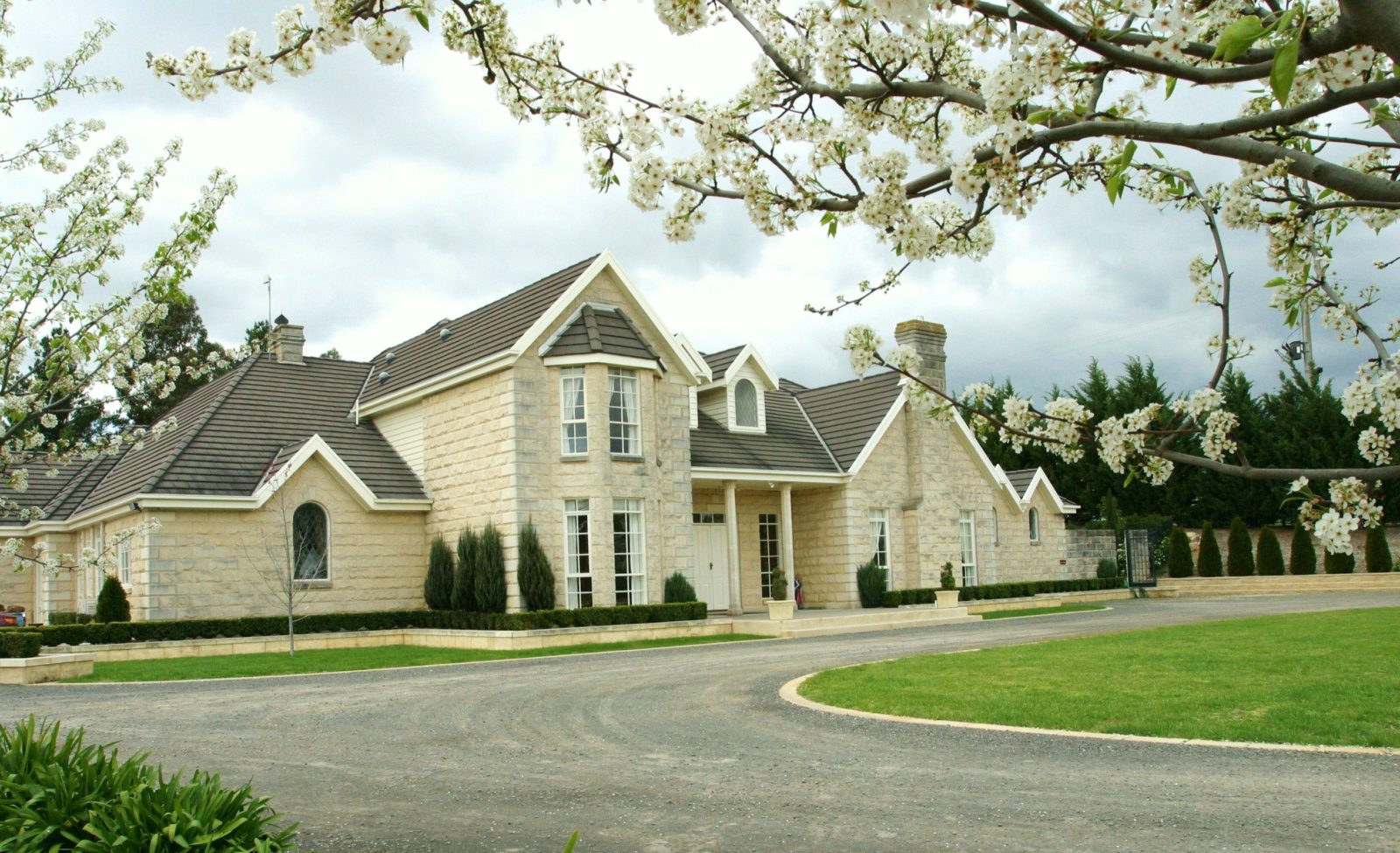 Montfort Manor
