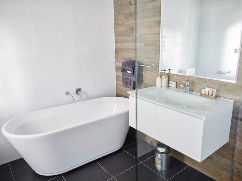 Moodemere Lake House bathroom