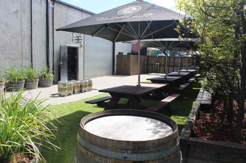 mornington peninsula brewery beer garden